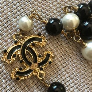 *Chanel* long logo pearl necklace_brand new